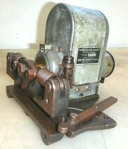 Berling Oe ii One Cylinder Magneto Old Oil Field Hit And Miss Gas Engine Mag Hot