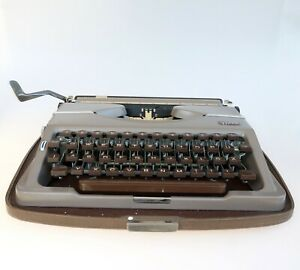 Working Gossen Tippa Typewriter With Case Vintage 1950s Typewriter