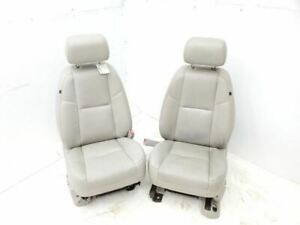2010 2011 Chevrolet Avalanche Front Pair Of Light Gray Leather Bucket Seats