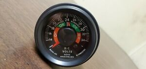 Hoyt Meter Voltage Gauge 24 Volt Dc New