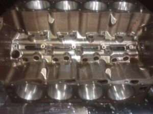 Big Block Chevy Bbc 454 7 4 4 Bolt Main Block Standard Bore 12558110ba