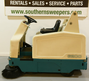 Used Tennant 6200 Ride On Sweeper