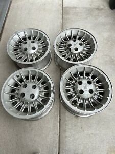 Set Of 4 1987 1991 Ford Mustang Alloy Wheels Rims 15 Inch Oem 1529 1527