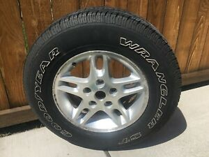 Jeep Grand Cherokee Wheel Rim Oem 16 W tire Goodyear Wrangler St 225 75r16
