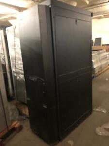 Apc Ar3100 Enclosed Server Rack With Rear Cooling Unit Acf115