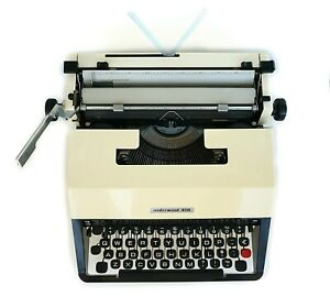 Underwood 450 Typewriter With Case Working Retro Typewriter