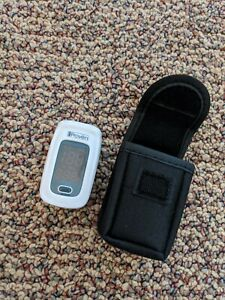 Iproven Pulse Oximeter Fingertip Blood Oxygen Saturation Monitor Case Oxi 27bl