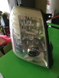 2007 2014 Cadillac Escalade Headlight Right Passenger Side Tabs Intact Works