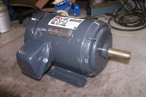 New Dayton 1 Hp Electric Ac Motor 208 230 460 Vac 3 Phase 1735 Rpm 143t Frame