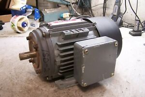 New Brook Crompton 1 1 2 Hp Electric Ac Motor 230 460 Vac 3 Phase 3400 Rpm