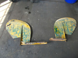John Deere 1010u Left And Right Fenders At17529 Am2206t