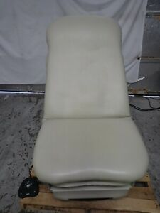 Midmark Model 623 007 Power Examination Table With Hand Foot Controller