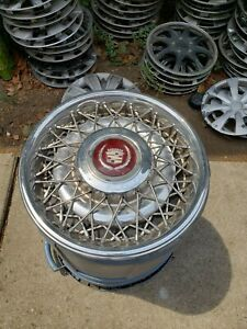 Cadillac Or Buick 15 Inch Wire Hubcap 2049 187 92 Fleetwood Broughham 2049