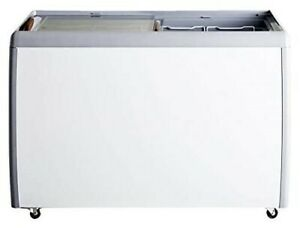 Omcan 46494 50 inch Ice Cream Display Chest Freezer With Flat Glass Top