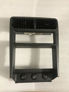 99 04 Ford Mustang Center Dash Radio Climate Bezel Vent Trim Surround Oem