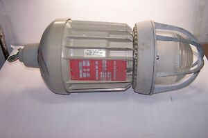 Crouse Hinds Evma93171 mt Hazard Gard Explosion Proof Light