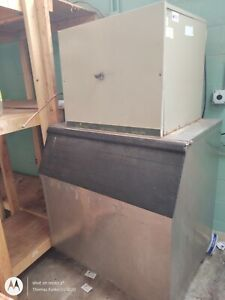 Manitowoc 800 Series Air Cooled Ice Machine