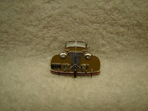 Tan 1939 Chevy Hat Pin 39 Master 85 Pin 39 Wagon Master Deluxe Panel Lapel Beige