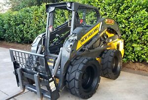 2015 L230 New Holland Skid Steer Loader