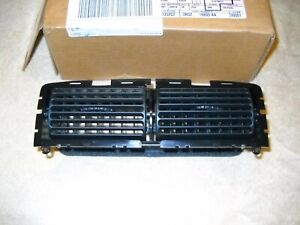 Nos Ford 1994 2004 Mustang Center A C Heater Dash Vent Assembly Mint