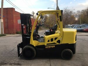 2017 Hyster 13500 Lb Diesel Forklift With Side Shift And Triple Mast