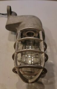Vintage Crouse Hinds V911 Explosion Proof Light Steam Punk Heavy 11 Long Canada