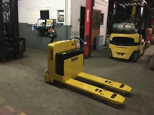 2017 Yale 6500 Pound Electric Pallet Jack With New Charger