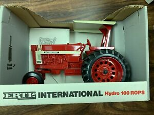 International Hydro 100 With Rops Wf With Duals Special Edition 1 16 4623