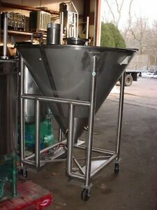 39 Cu Ft 294 Gallon Polished Stainless Steel Cone Tank Powder Hopper