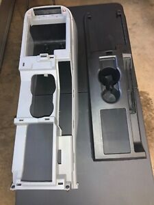 05 09 Ford Mustang Oem Center Console Assembly