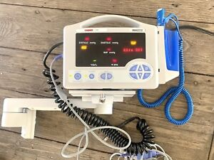 Casmed 740 Patient Vital Sign Monitor W Wall Mount Spo2 Temp Nibp Battery