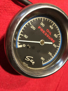 Sun Vintage 2 5 8 Oil Pressure Gauge With Chrome From 1974 With Free Shipping