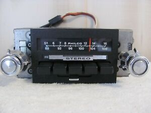Vintage Ford Philco Am Fm Stereo Radio D4aa 19a241 Oem