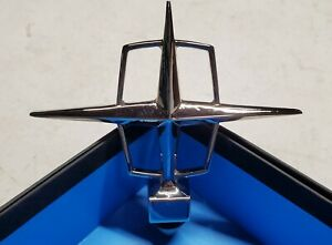 1961 1962 1963 Lincoln Continental Star Hood Ornament Original New Old Stock