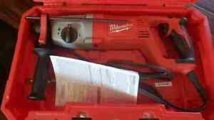 Milwaukee 5262 21 1 Inch Sds Plus Rotary Hammer Kit Used Once For 4 Holes