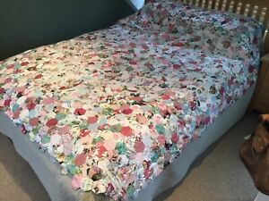 Large Vintage Hexagonal Patchwork Floral Fabric Quilt Blanket Approx 86 X 88