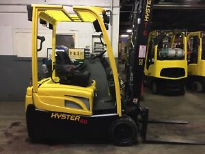 2014 Hyster 4000 Lb 3 Wheel Forklift With Side Shift Triple Mast