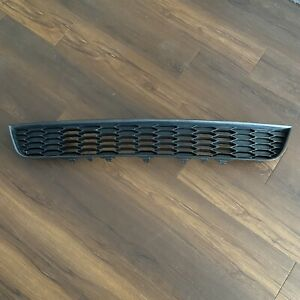 2013 2014 Ford Mustang Lower Grille Dr33 17k945 ac Oem