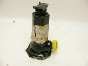 Nos Oem Spare Tire Bottle Jack 52059104 For Various 1999 2006 Jeep