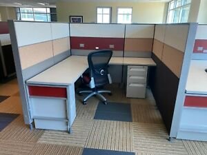 Nice Herman Miller canvas 6 x6 Office Cubicles Workstations