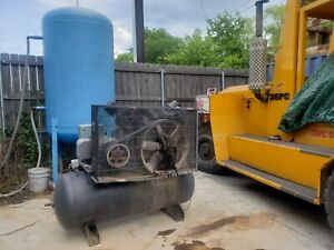 Industrial Electric Air Compressor Used 25 Hp Decommissioned In Running Order