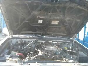 Carrier Front Axle 6 Cylinder Xe 265 70r15 Tires Fits 99 00 Frontier 16347006
