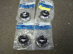 Nos 1971 1973 Ford Mustang Magnum 500 Center Caps Set