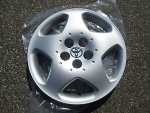 One 2003 2004 Toyota Corolla S Hubcap Wheel Cover