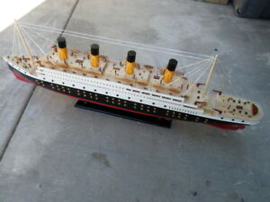 Titanic Wooden Model Cruise Ship W Flashing Light 40 Fully Assembly