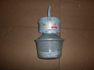 Crouse Hinds Vmvm175 mt Explosion Proof Light Lamp 175w 120 208 240 277v One