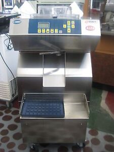 Jupiter Maxi lab staff Ice R150 Max Batch Freezer