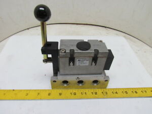 A04 5 3 4 Way 3 Position Air Pneumatic Spool Valve Manual Lever W 6880 Sub Base