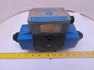 Vickers Pa5dg4s4w 016c b 60 Reversible Hydraulic 4 way Directional Control Valve