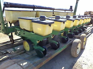 John Deere 7000 Corn Planter 30 8 Row With Dry Fertilize Boxes And Auger